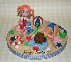 Summer Fun Topper by the amazing Wendy Schlagwein (4theloveofcake), #edible