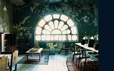 love the walls and window!