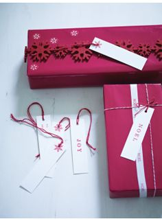 Gift Wrapping - Wrap & Stamp
