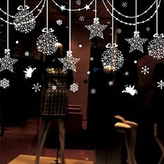 43 Elegant Christmas Window Decor Ideas Christmas is coming soon and with it all these decorations, ornaments, lights and . But have you ideas to easily decorate your window? Do not let the stress of decorating you lose the spirit of Christmas Window Stickers, Christmas Window Decorations, Christmas Frames, Elegant Christmas, Christmas Snowflakes, Christmas Balls, Simple Christmas, Christmas Lights, Christmas Diy
