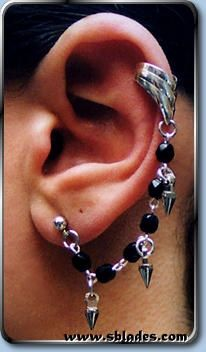 Spike Earcuff Earring, Gothic ear rings for multiple piercing or just the look. Clip-ons available for non-pierced ears. Ear Piercings Gauges, Ear Piercings Conch, Ear Piercings Industrial, Double Ear Piercings, Unique Ear Piercings, Cuff Earrings, Earrings Handmade, Gothic Halloween, Ear Rings