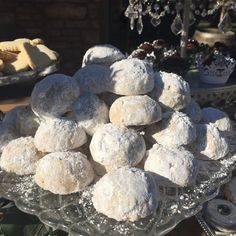 Mexican wedding cookies for wedding dessert table Mexican Wedding Cookies, Custom Cookies, Wedding Desserts, Shortbread Cookies, Cakes And More, Dessert Table, Blueberry, Fruit, Food