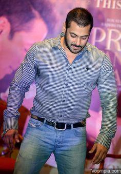 Salman Khan And Sonam Kapoor Promote PRDP At Le Meridian In Delhi