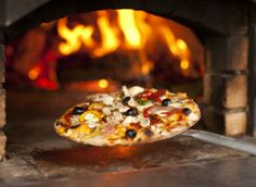 #Yorkshire #streetfood revolution. Farmer's Feast #pizza comes out of the oven at Pizza a la carte.