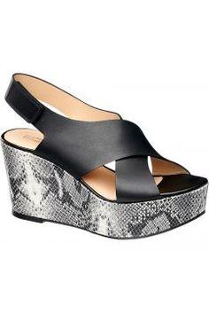 Dolgu Topuk Sandalet https://modasto.com/5th-ve-avenue/kadin-ayakkabi-sandalet/br11951ct19