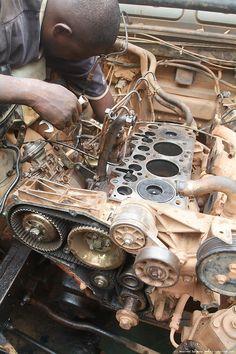 Land Rover Defender 300TDI Mechanic, Africa
