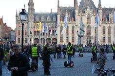 Vespa en Segway tours ... Al snorrend door Brugge  U kent misschien al ons fietsarrangement. Vanaf € 130 per persoon voor 2 nachten, maken we het u extra voordelig. Maar het kan ook alternatiever: per #Segway of op een #Vespa. Twee mogelijkheden om Brugge en het Brugse Ommeland op een originele manier te ontdekken. Voor meer informatie ...  http://www.hotelnavarra.com/nl/info/601/Onze-tips.html http://www.vespatours-brugge.be/ http://www.segwaybrugge.be/