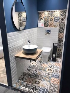 Simple Bathroom Designs, Bathroom Design Luxury, Bathroom Design Small, Bathroom Layout, Modern Bathroom, Small Toilet Design, Small Toilet Room, Bad Inspiration, Bathroom Inspiration