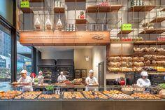 Princi, the Italian Bakery Backed by Starbucks, Soon Opens in Midtown - Eater NY Starbucks Reserve, Bakery Shop Design, Restaurant Design, Bakery Kitchen, Open Kitchen, Food Counter, Bakery Interior, Interior Design, Arquitetura
