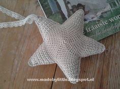 Kijk wat ik gevonden heb op Freubelweb.nl: een gratis haakpatroon van Little Things om een ster te haken https://www.freubelweb.nl/freubel-zelf/gratis-haakpatroon-ster-3/