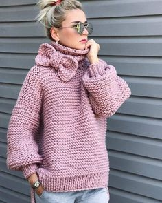 Boho Knit Pink Sweater Chunky sweater, turtlenwck sweater, bohemian style knit fashion Always wanted to learn how to knit, nonetheless not cert. Cardigan Pattern, Knit Fashion, Girl Fashion, Crochet Clothes, Knit Crochet, Crochet Cardigan, Free Crochet, Knitwear, Knitting Patterns