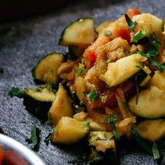 Courgette Sabji  #vegetarian #meatfree #curry #india #indianfood #indiancuisine #cuisine #food #recipe #foodinspiration #travelfood #authenticindia Indian Food Recipes, Ethnic Recipes, Tyga, Kung Pao Chicken, Food Inspiration, Potato Salad, Curry, Vegetarian, Tasty
