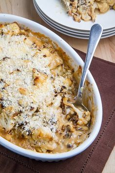 Roasted Cauliflower and Aged White Cheddar Gratin. Tender roasted cauliflower in an aged white Cheddar sauce that is baked until golden brown and bubbling with a crispy panko breadcrumb topping. Side Dish Recipes, Low Carb Recipes, Cooking Recipes, Healthy Recipes, Delicious Recipes, Cooking Tips, Vegetable Side Dishes, Vegetable Recipes, Vegetarian Recipes