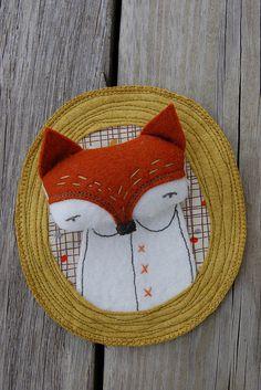fox felt fabric and embroidery woodland portrait brooch or wall art Sewing Crafts, Sewing Projects, Craft Projects, Fox Art, Felt Animals, Kids Decor, Fabric Art, Softies, Felt Crafts