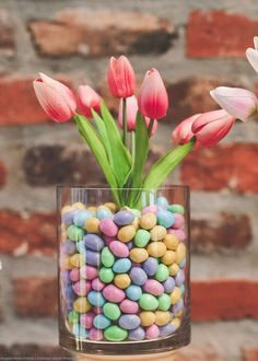 48 Rustic Easter Decorations Bringing a Farmhouse Appeal to Your Home - Page 38 of 48 - Ciara Decor Easter Flower Arrangements, Easter Flowers, Floral Arrangements, Easter Crafts, Easter Decor, Easter Ideas, Easter Tree Decorations, Easter Centerpiece, Spring Decorations