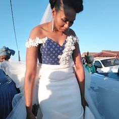 Zulu Traditional Outfit Dresses for African bride Wedding Zulu Traditional Wedding Dresses, Traditional Outfits, High Low Outfits, African Wedding Attire, African Weddings, African Fashion Traditional, Ankara Gown Styles, Africa Dress, African Wear