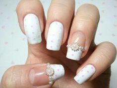 Wedding Nail Design, beautiful nails with pearls and flowers!