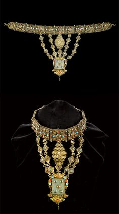 Ottoman necklace. Silver gilt, jade and gemset (including turquoise, carnelian, ruby). Turkey, ca. 15th - 16th century.