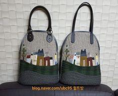 하우스 가방 : 네이버 블로그 Handmade Handbags, Quilted Bag, Crochet For Beginners, Gym Bag, Diy And Crafts, Applique, Reusable Tote Bags, Quilts, Embroidery
