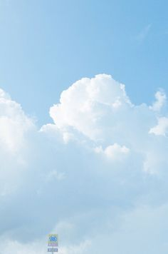 Beautiful white cumulus clouds contrasting against the blue background Light Blue Aesthetic, Look At The Sky, Sky And Clouds, Phone Backgrounds, Cute Wallpapers, Aesthetic Wallpapers, Scenery, Ocean, Landscape