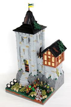 Open and Shut...a case of LEGO Castle Sweetness