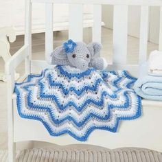 This delightful crochet Stella lovey blanket is perfect for snuggling up to. The security blanket combines a cuddly plush elephant friend with a gorgeous . Crochet Gratis, Crochet Amigurumi, Crochet Dolls, Free Crochet, Knit Crochet, Ravelry Crochet, Crochet Lovey Free Pattern, Cat Amigurumi, Unique Crochet