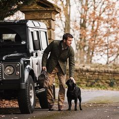 A Clothing Collection Made for Defender Adventures Carnet de Voyage… English Gentleman, Modern Gentleman, Gentleman Style, Defender 110, Land Rover Defender, Mode Masculine, British Country Style, Country Lifestyle, Wale