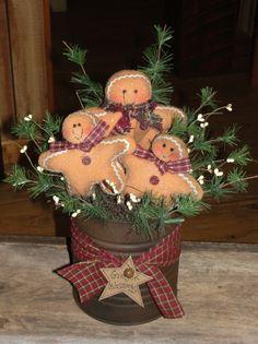 Grungy Gingerbread Arrangement