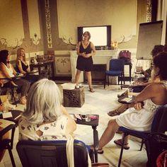 """Diana Torija impartiendo #amor en su clase """"Amándote a ti mismo""""... #amanopierdaseltiempo"""