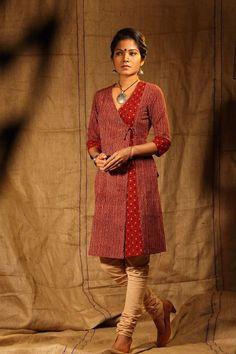 Different types of kurtis designs - Simple Craft Ideas Salwar Neck Designs, Kurta Designs Women, Blouse Designs, Salwar Pattern, Kurta Patterns, Angrakha Style, Batik Fashion, Batik Dress, Indian Designer Wear