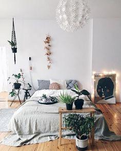 Gypsy Bohemian Master Bedroom Ideas (26)
