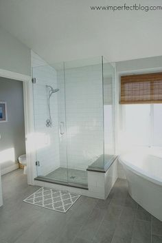 Best Small Master Bathroom Remodel Ideas 32