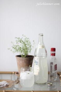 Vodka Thyme Lemonade - Coordinately Yours by Julie Blanner entertaining & design that celebrates life Vodka Lemonade Drinks, Lemonade Cocktail, Non Alcoholic Drinks, Fun Drinks, Yummy Drinks, Beverages, Sangria Cocktail, Cocktail Recipes, Drink Recipes