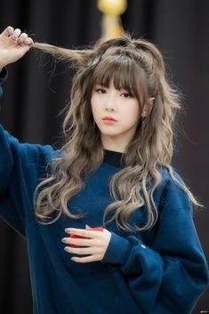Korean Hair Color, Korean Short Hair, Korean Beauty Girls, Korean Girl, Kpop Girl Groups, Kpop Girls, Medium Hair Styles, Long Hair Styles, Short Hair Styles Asian