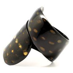 A beautiful bangle bracelet handmade from buffalo horn. Actual colors may vary. Handmade Bracelets, Bangle Bracelets, Bangles, Cow Horns, Natural Jewelry, Unique Jewelry, Heeled Mules, Jewelery, Water Buffalo