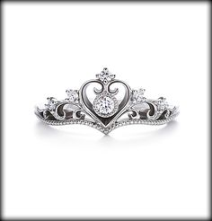 プリンセスシリーズ Princess Tiara  ---  Don't know if I'd want one this ornate, but it's pretty and I like it.