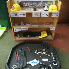 Everyone needs a tinkering table! Tinkering table- love this. Maybe with lots of objects that can be taken apart and put back together. Investigation Area, Investigations, Reggio Classroom, Classroom Board, Classroom Ideas, Eyfs Activities, Daily Activities, Reception Class, Early Years Classroom