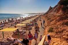 Vilamoura On A Budget: Cheap Things To Do In The #Algarve - via Weather2travel 16.07.2015 | Although it's one of Portugal's premier holiday spots, known for its golden beaches, beautiful golf courses, cool nightlife, breathtaking views and Michelin star restaurants, there are plenty of hidden gems that you can experience for free. Photo: Falesia Beach, Vilamoura © Raul Lieberwirth - Flickr Creative Commons