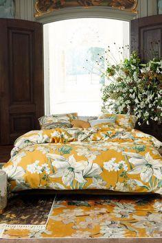 Dit Rosalee dekbedovertrek van Essenza kan je slaapkamer een extra touch geven. Het overtrek heeft een kleurrijke bloemenprint. Hierdoor is het ook makkelijk te combineren met meubels en andere leuke accessoires. Zou het bij jouw kamer passen? #fonQ #fonQnl #slaapkamer #slaapweken #dekbedovertrek #Essenza #slaapkamerideeen #slaapkamerinspiratie #wooninspiratie