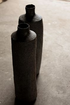 "yama-bato: "" Katsumi Machimura Atelier Katsumi here. Japanese Ceramics, Japanese Pottery, Modern Ceramics, Ceramic Clay, Ceramic Plates, Ceramic Pottery, Black Clay, Ceramic Design, Ceramic Artists"
