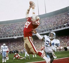 """The Catch"": The winning touchdown reception by Dwight Clark off a Joe Montana pass in the January NFC Championship Game between the Dallas Cowboys and San Francisco (SF Dallas - Sports Illustrated's Walter Iooss Jr. Nfc Championship Game, Nfl Playoffs, American Football, Football Team, College Football, Giants Baseball, Football Stuff, Football Baby, Football Cards"