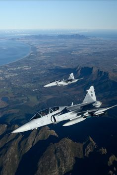 South African Air Force Saab Gripens. Military Jets, Military Weapons, Military Aircraft, New Aircraft, Fighter Aircraft, Saab Jas 39 Gripen, Modern Fighter Jets, Swedish Air Force, South African Air Force