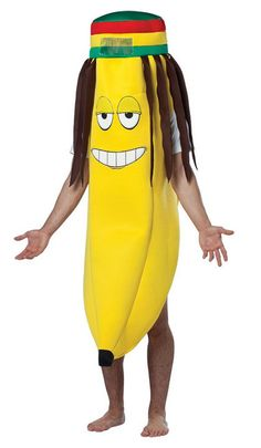 Fruit and Jamaican Rastas, do you get it? Yeah, us neither, but this Rasta Banana costume is such a riot that we don't really care. Food Halloween Costumes, Fruit Costumes, Halloween Fruit, Halloween Wigs, Halloween Fancy Dress, Halloween Kostüm, Funny Halloween Costumes, Halloween Cosplay, Funniest Costumes