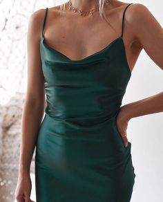 Natalia Kleid - Smaragd - A Kleider / Dresses - Emerald Dresses, Hoco Dresses, Ball Dresses, Pretty Dresses, Homecoming Dresses, Beautiful Dresses, Formal Dresses, Matric Dance Dresses, Semi Formal Outfits
