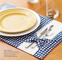 Make it yourself spring summer 2014 by hihih - issuu Dinner Wear, Dinner Room, Fabric Crafts, Sewing Crafts, Sewing Projects, African Home Decor, Place Mats Quilted, Table Runner And Placemats, Mug Rugs