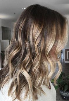 This bronde has got it going on. Color by Marisa Marquardt.