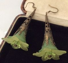 Vintage-Jewellery-Art-Nouveau-Celluloid-Drop-Pendant-Flower-Earrings