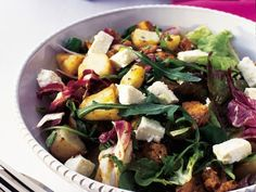 Kycklingsallad med fetaost Receptbild - Allt om Mat