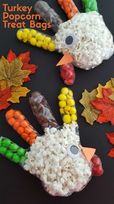 Not going to lie these Turkey Popcorn Treat Bags are pretty cute. You can find the tutorial now. Turkey Popcorn Treat Bags are perfect for a class party or something the kids can make to get them out of the kitchen on Thanksgiving. Fall Treats, Holiday Treats, Halloween Treats, Holiday Fun, Kids Christmas Treats, Festive, Halloween Party Favors, Thanksgiving Crafts For Kids, Thanksgiving Activities