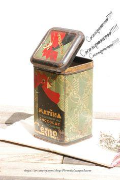 Matina#Vintage#Etsy#Brocante#Flea market#Frenchvintagecharm#Storage#Tin box#green#red#Antic#retro#boîte métal#rosty#coq